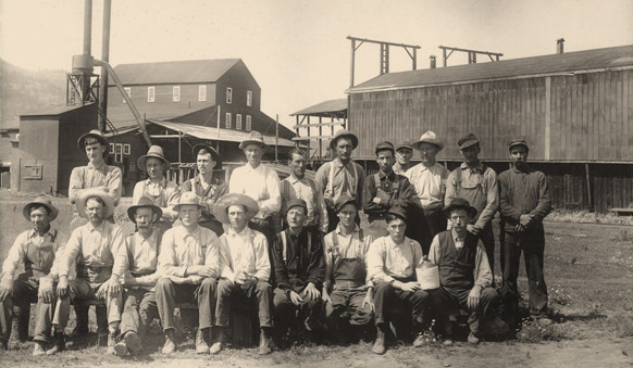 Planer crew at the Winslow Mill at Orin (shared by Bob Lynds)
